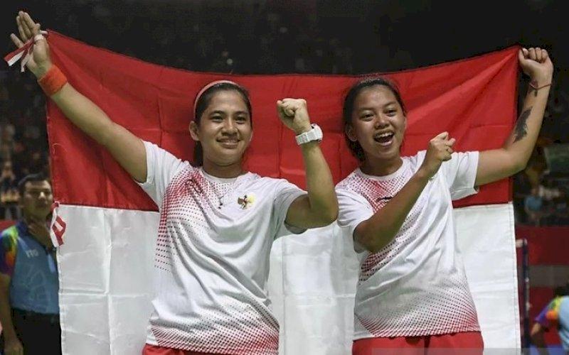 RAIH EMAS. Pebulu tangkis putri Indonesia Leani Ratri Oktila dan Khalimatus Sadiyah. foto: istimewa