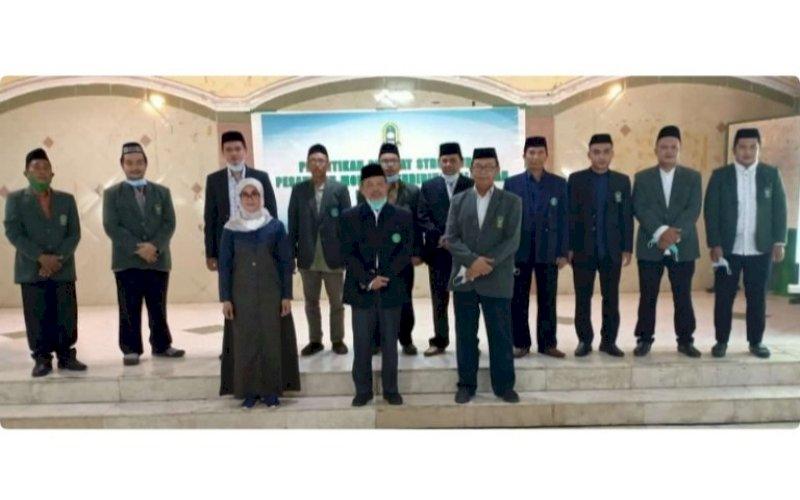 PELANTIKAN. Suasana pelantikan pejabat struktural Pesantren IMMIM Putra di Aula Pesantren IMMIM Putra Tamalanrea, Kota Makassar, Sabtu (4/9/2021). foto: istimewa