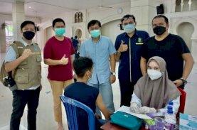 IKA FK UMI, DMI, dan Polrestabes Makassar Gelar Vaksinasi Merdeka