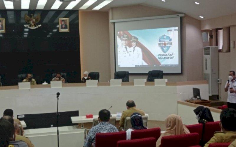 RAPAT KOORDINASI. Wali Kota Makassar, Moh Ramdhan Pomanto, memimpin rapat koordinasi tim Makassar Recover dan Forkopimda di Balai Kota Makassar, Senin (13/9/2021). foto: istimewa