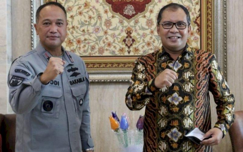 Laksamana Hanarko Djodi Pamungkas bersama Moh Ramdhan Pomanto. foto: istimewa
