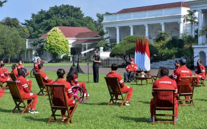 SAMBUTAN. Presiden Joko Widodo menerima kontingen Indonesia yang berlaga di Paralimpiade Tokyo 2020, di Istana Bogor, Jabar, Jumat (17/09/2021) pagi. foto: istimewa