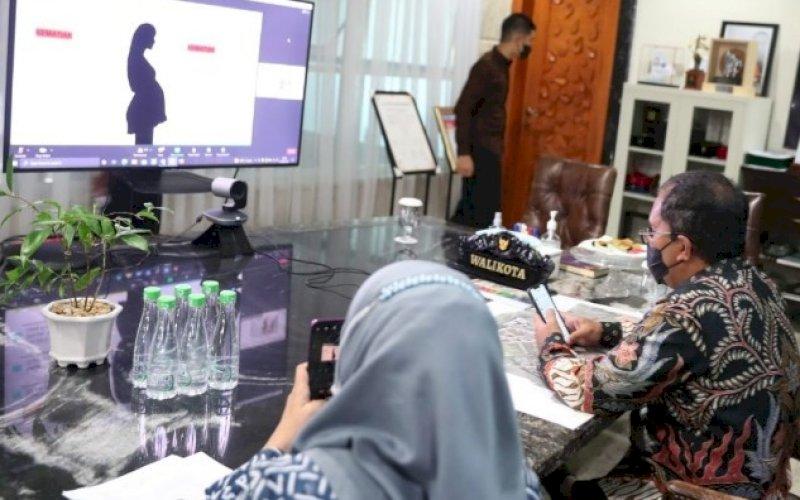 LAUNCHING MPHD. Wali Kota Makassar, Moh Ramdhan Pomanto, menghadiri launching kick off program Momentum Private Health Care Delivery (MPHD) secara virtual di kediaman pribadinya, Jl Amirullah, Kota Makassar, Kamis (23/9/2021). foto: istimewa