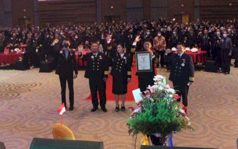 REKOR MURI. Perayaan Dies Natalis ke-100 PIP Makassar memperoleh rekor Museum Rekor Indonesia (MURI) di Four Points By Sheraton Hotel Makassar, Rabu (13/10/2021) malam.
